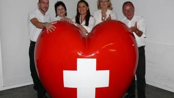 Suzana Senn-Benes und das OK von «Schweiz zeigt Herz» setzen sich mit Herzblut für das Projekt ein. Foto: pha