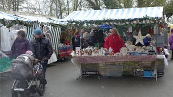 Auch Schneeflocken sorgten am Adventsmarkt im «Sunnepark» für Stimmung.