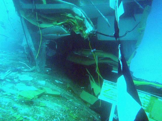 20. Januar 2012: Die Regierung ruft für die Umgebung den Notstand aus, das havarierte Schiff sei eine Gefahr für die Umwelt.