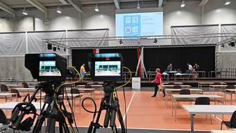 Die Betoncoupe-Arena in Schönenwerd ist für die Kantonsratssession hergerichtet, hier können die Abstandsregeln eingehalten werden.