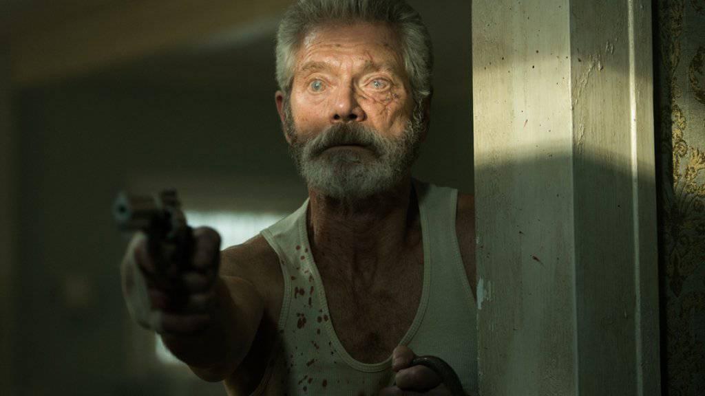 Stephen Lang spielt im Thriller «Dont Breathe». Der Film hat in den USA und in Kanada die Spitze der Kinocharts übernommen (Archiv)