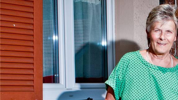 «Das Gebursthaus ist kein Nest mehr», so Doris Erbacher (links), Hebamme und Gründerin «Storchenäscht».