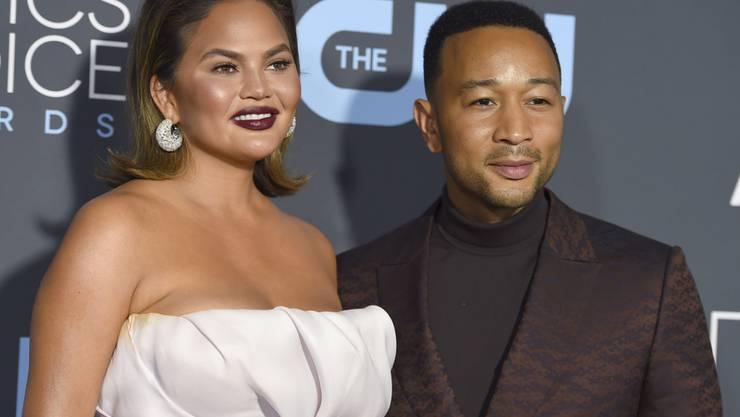 Liefern täglich beste Instagram-Unterhaltung: Model Chrissy Teigen (l) und ihr Ehemann, Sänger John Legend. (Archivbild)