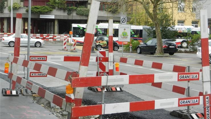 Die Bruggerstrasse in Baden wird im Juli an zwei Wochenenden für den Verkehr gesperrt.