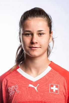 Svenja Fölmli (17) von den FC Luzern Frauen gehört zu den jungen, aufstrebenden Spielerinnen im Schweizer Nationalteam.
