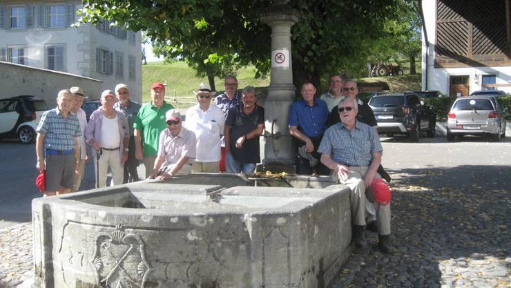 Beim historischen Brunnen.