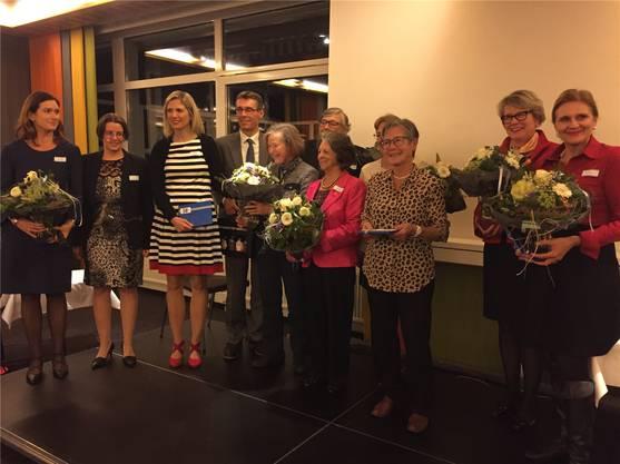 Die Co-Präsidentinnen Riniker (l.) und Bieri (r.) mit Glarner.