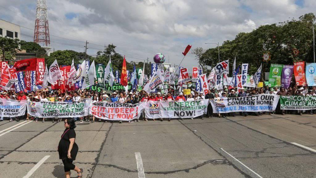 Kundgebung für das Klima am Samstag in Quezon City im Nordosten der philippinischen Hauptstadt Manila.