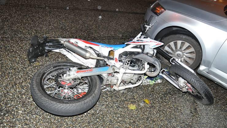 Der junge Motorradfahrer verletzte sich schwer.