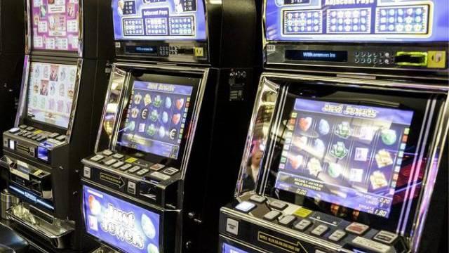 Insgesamt sieben illegale Wettstationen und ein Glücksspielautomaten wurden sichergestellt.