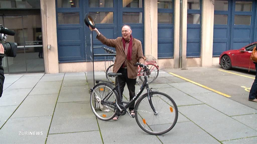 Preis- statt Bussgeld: Stadt Zürich verleiht Harald Naegeli den Kunstpreis