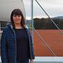 Laura Cangeri vor der Tennisanlage in Möhlin.