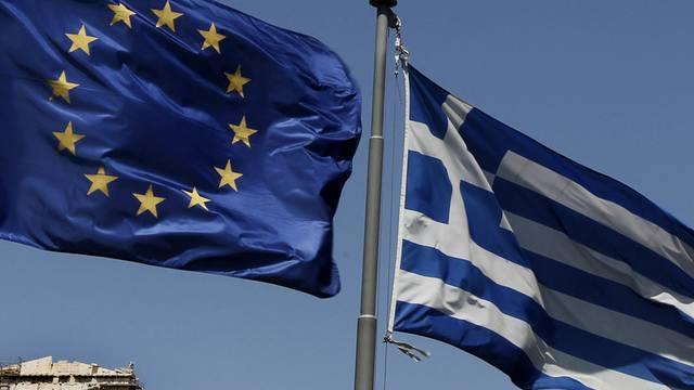 Griechenlands Platz sei in der Euro-Zone, sagte Frankreichs Finanzminister Michel Sapin.