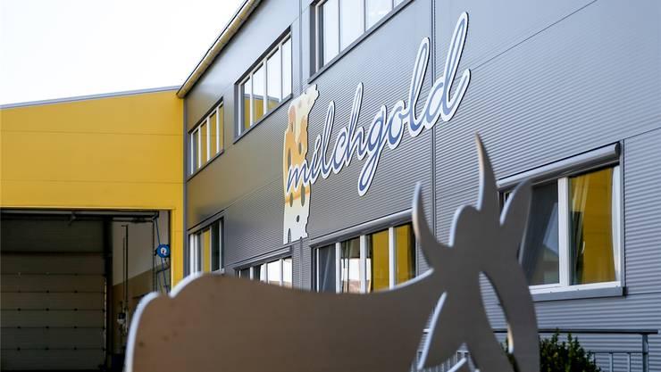 Nach massiven Vorwürfen gegen den jetzigen Käser kommt es zum Wechsel an der Spitze der Milchgold Käse AG in Auw.Bild: Claudio Thoma (18. Juli 2018)