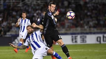 Gareth Bale (rechts) schiesst in San Sebastian zwei Tore für Real Madrid