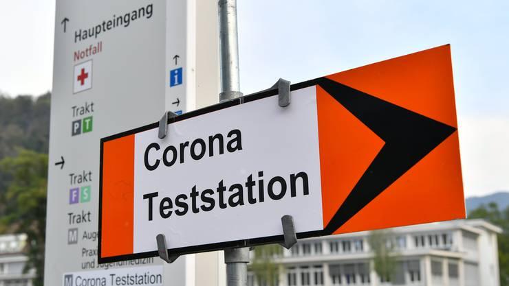 Am Donnerstag vermeldet das BAG 2613 positive Tests auf das Coronavirus.