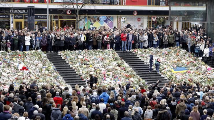 Schweigeminute am Montagmittag in Stockholm.