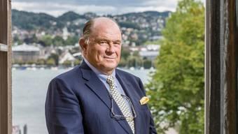«Schafft die Pensionierung ab», lautet Walter Kielholz' provokative Alternative zur Altersreform 2020 – aufgenommen am Swiss-Re-Hauptsitz in Zürich.