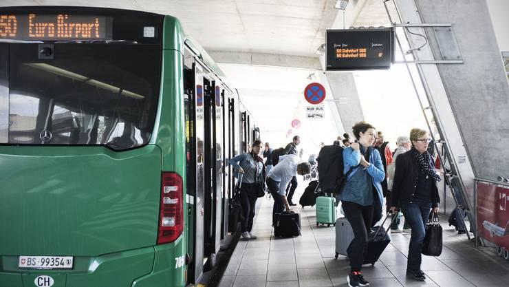 Die BVB reduzieren ihr Angebot der Linie 50 aufgrund des zurückgefahrenen Betriebs am EuroAirport.