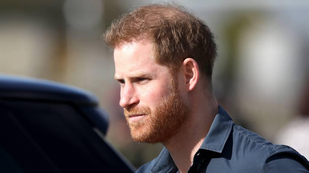 Prinz Harry in Grossbritannien eingetroffen