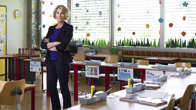 Lehrerverbandspräsidentin Dagmar Rösler unterrichtet eine vierte Klasse im Kanton Solothurn. Sie hat sich sehr auf den Schulstart gefreut. (Archivbild)