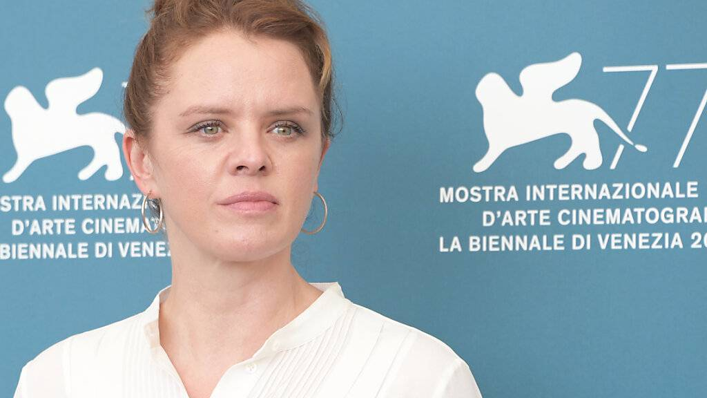ARCHIV - Julia von Heinz, Regisseurin aus Deutschland, kommt zu einem Fotocall für den Film «Und Morgen Die Ganze Welt». Foto: Gian Mattia D'alberto - Lapresse/Lapresse via ZUMA Press/dpa