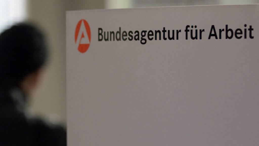 Die Auswirkungen der Corona-Krise auf dem deutschen Arbeitsmarkt werden schwächer. (Archivbild)