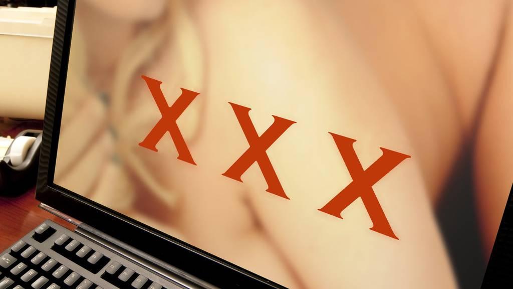 Pornografisches Material kann allzu leicht aus dem Internet heruntergeladen werden.