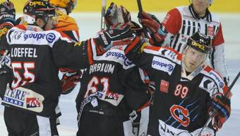 Andrej Bykow (rechts) traf für den Leader zum 3:2