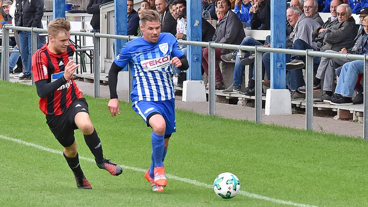 Mit Verteidiger Mike Billwiller (r.) war in den Reihen des FC Olten gegen Wettingen wieder ein Neuzuzug auszumachen. Bis zum Derby am nächsten Samstag gegen den FC Wangen b. Olten sollen weitere neue Spieler folgen.