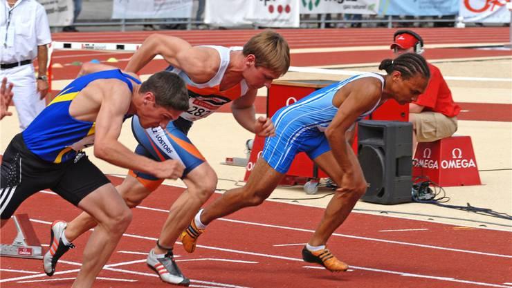 Oliver Lanz (Mitte) sorgte mit seinen Leistungen über 400 und 200 Meter für wertvolle Punkte. zvg