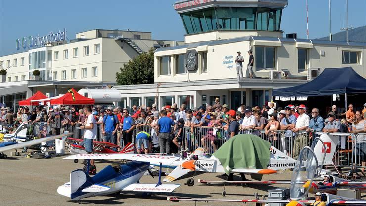 Volksfeststimmung am Flughafen Grenchen am Modellflugtag 2018.