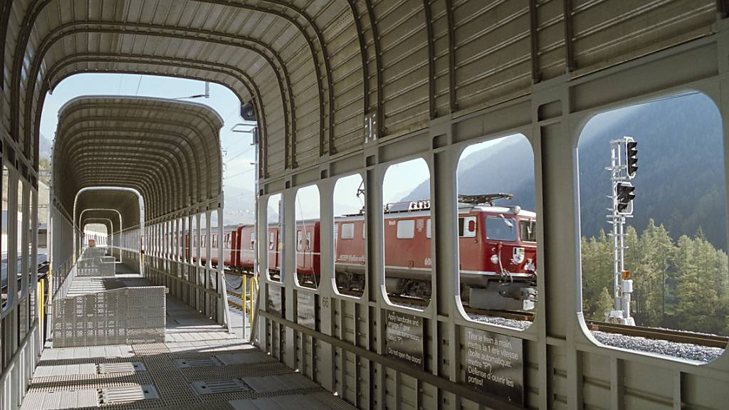 Eine Zugkollision beim Vereinatunnel in Graubünden ist am Samstag glimpflich verlaufen. Es wurde niemand verletzt. (Archivbild)