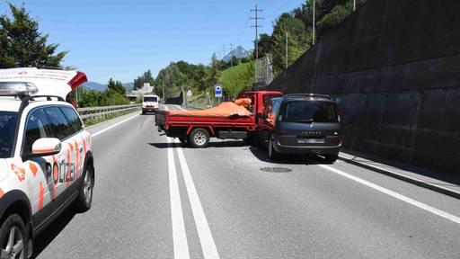 Viel Glück bei Frontalkollision auf der Autobahn