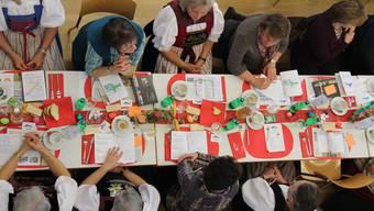 Die Delegierten der Aargauer Landfrauen tagten bei Kaffee und Zopf und waren sich immer einig. WUA