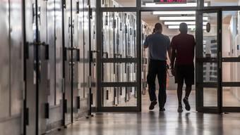 17 Prozent der Personen, die 2014 zu einer Strafe verurteilt wurden, landeten innert dreier Jahre erneut im Gefängnis.