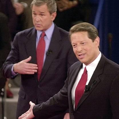 George W. Bush und Al Gore während der dritten Debatte im Jahr 2000.