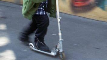 Der 16-jährige war mit einem Kickboard unterwegs (Symbolbild).
