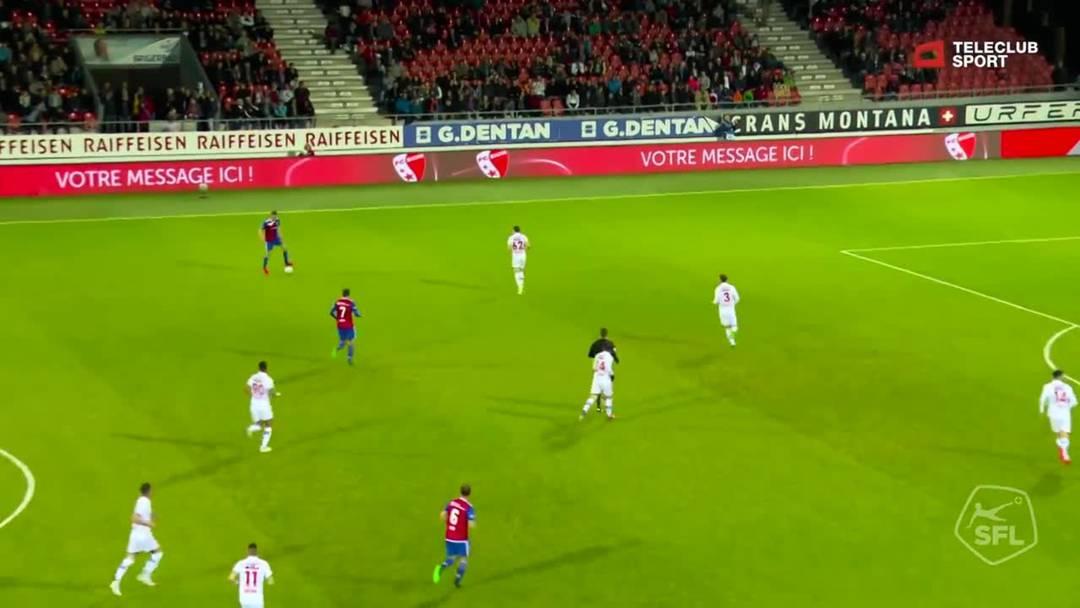 92. Minute: Anto Grgic hebt den Ball über seinen eigenen Torhüter und sorgt damit für das 3:0 des FCB.