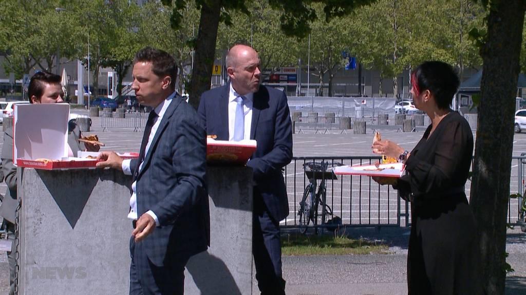 Parlamentarier bestellen Pizza an ausserordentlicher Corona-Session
