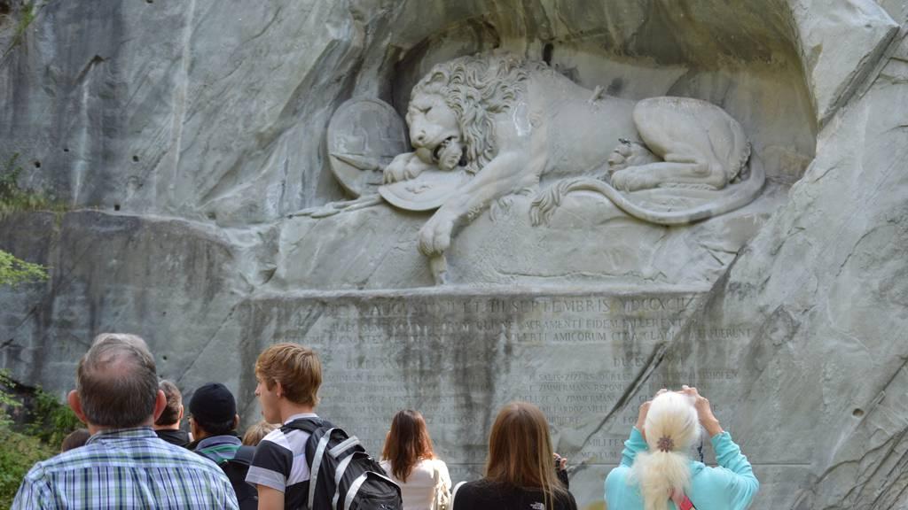 Stadt Luzern prüft Eintritt für Löwendenkmal