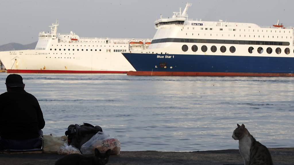 Griechenlands Fähren bleiben wegen des Streiks in den Häfen