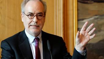 Für Medienprofessor Otfried Jarren ist klar: Sport und Unterhaltung gehören zum Service public. Steffen Schmidt / Keystone