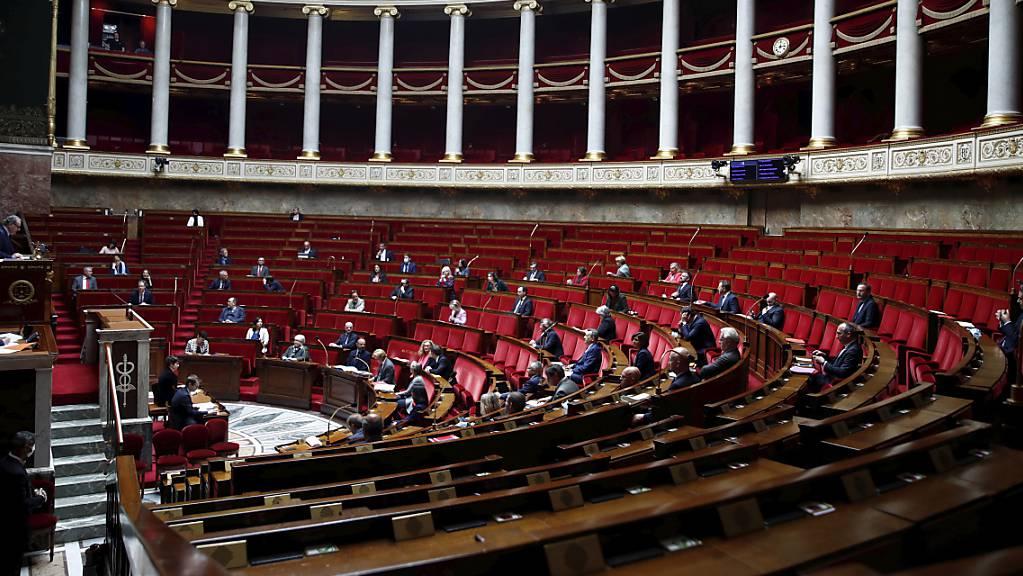 332 zu 77 endete das Votum für den Gesetzentwurf; 145 Abgeordnete enthielten sich. (Archiv)
