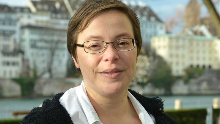 Die Theologin Anne Burgmer wurde 1977 in Mönchengladbach (D) geboren und wohnt und arbeitet seit 2005 in der Schweiz. Neben ihrer neuen Arbeit als Seelsorgerin schreibt sie weiterhin für das Aargauer Pfarrblatt Horizonte. Nicole Nars-Zimmer