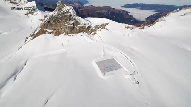 Riesen-Postkarte auf dem Aletschgletscher