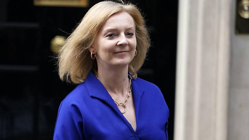 Britische Aussenministerin verteidigt Pakt