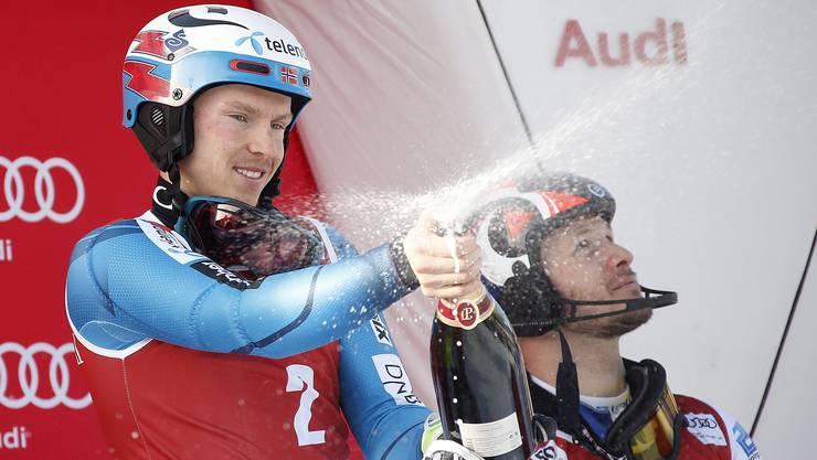 Sieger Henrik Kristoffersen (l.) und Marcel Hirscher auf Rang zwei.