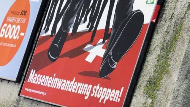 Plakat der SVP gegen Masseneinwanderung (Archiv)