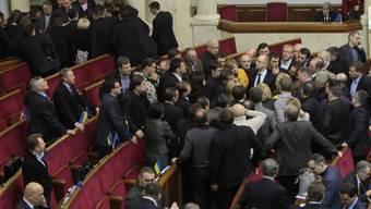 Heftige Debatten im Parlament in Kiew